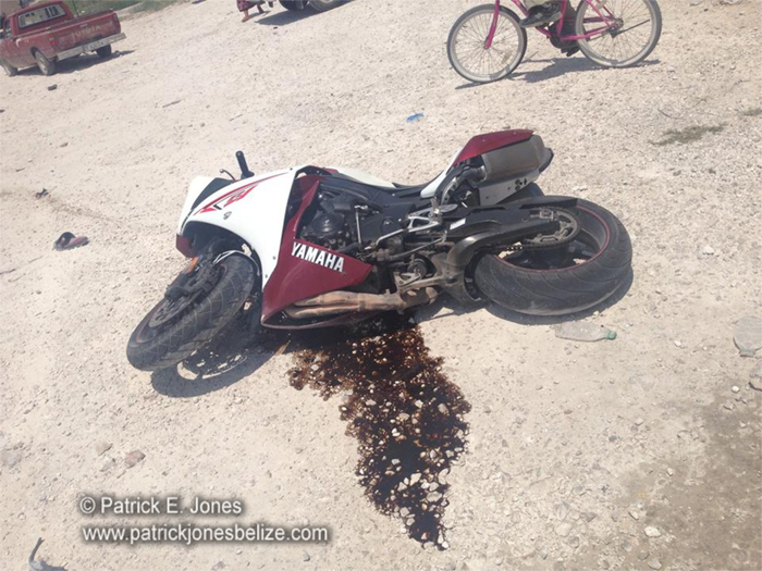 Motorbike involved in accident (Hilberto B. Riverol Jr photo)