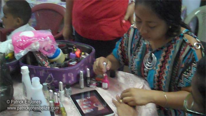 Manicure time (Corozal Town)