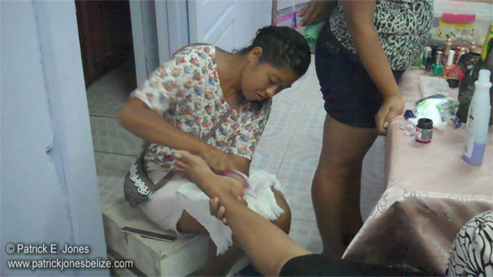 Pedicure time (Corozal)