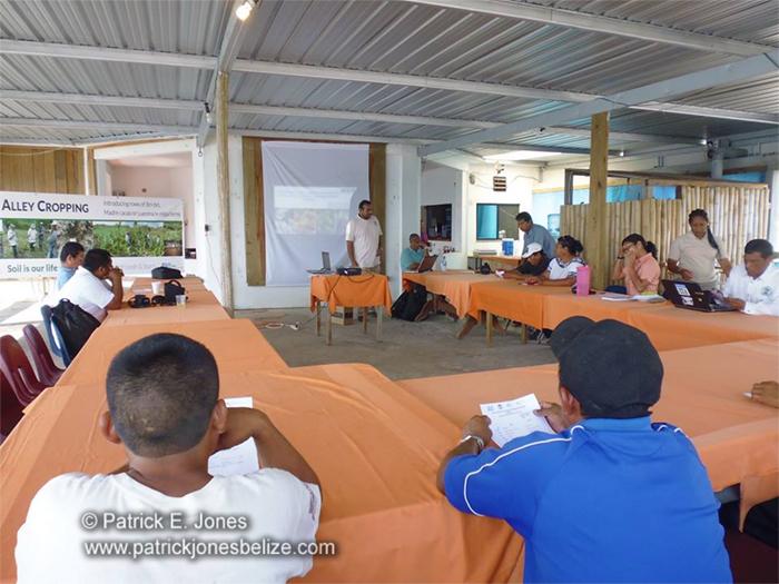 Farmers discuss food security (Punta Gorda town)