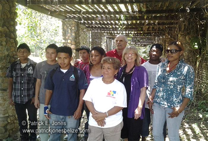 Professional Gardeners train (Belize Botanic Gardens)