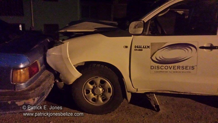 Vehicles crash in Santa Elena