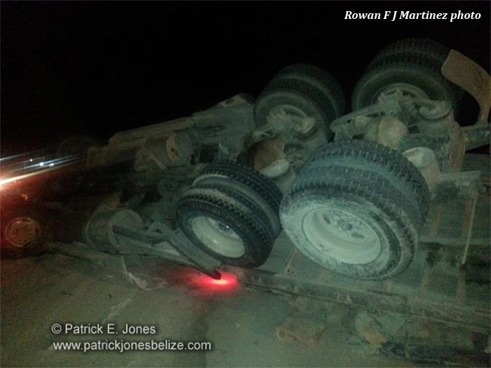 Cement truck overturns (Corozal)