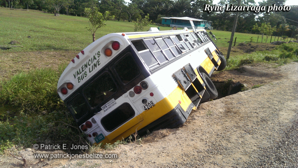 Valencia's bus off the road