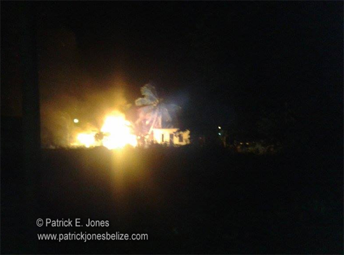 Fire destroys houses in Corozal