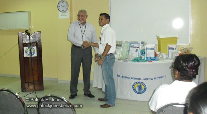 KHMH gets donation