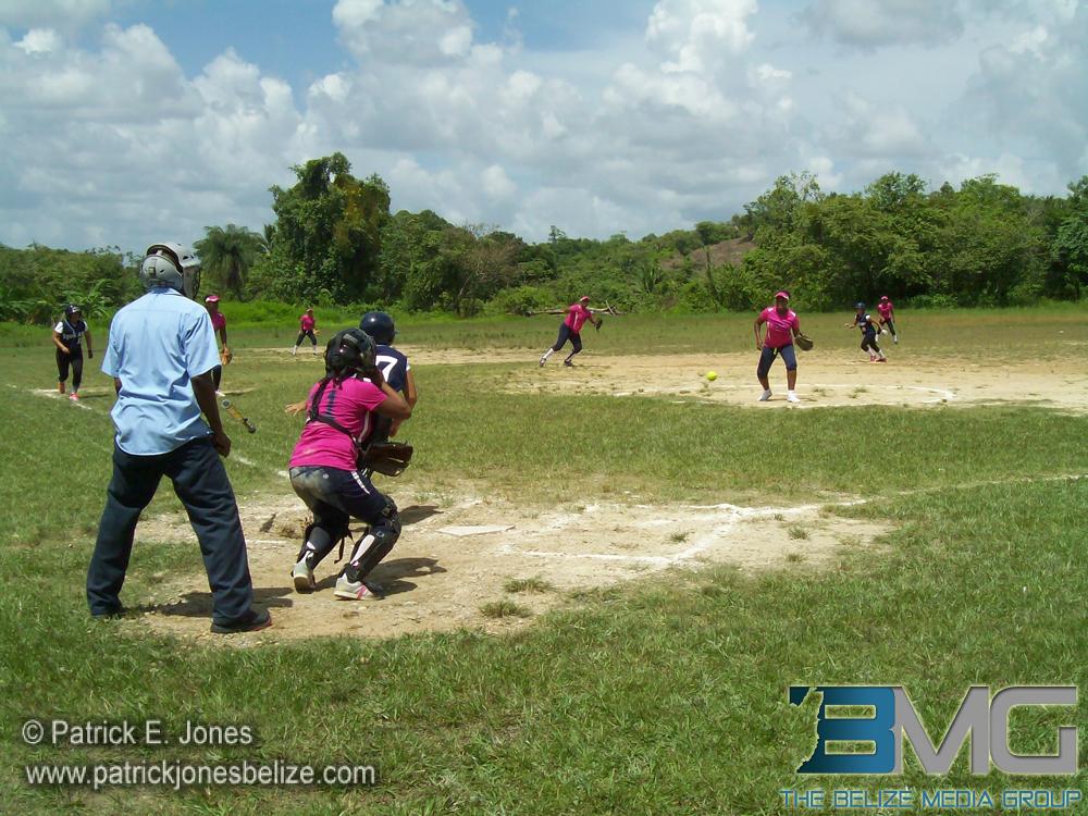 Camalote softball team wins