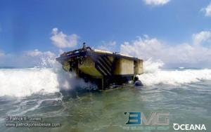 Submersible vessel stuck on the Barrier Reef