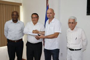 Ministry of Works signs contract for road rehabilitation project in Santa Elena Town