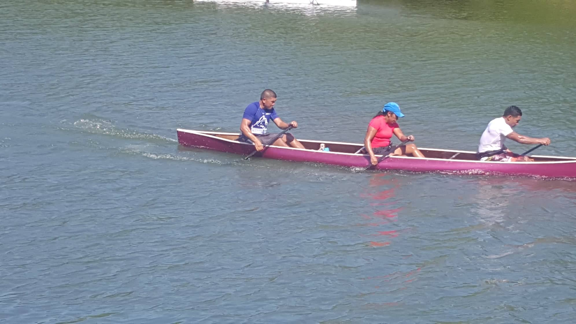 Team Tech Monkeys win Agric Canoe Race