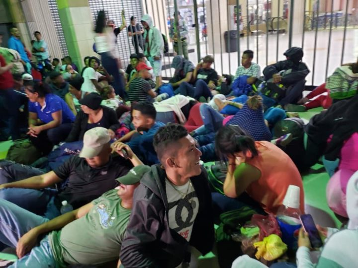 Hundreds of US-bound migrants stopped from entering Mexico