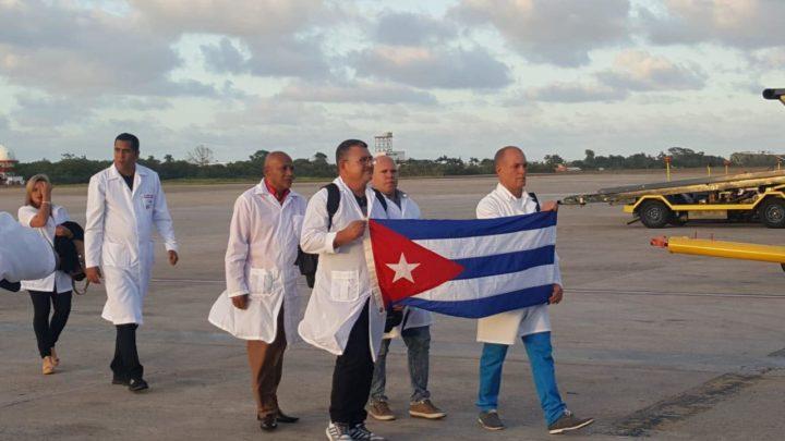 Kubanisches Ärzteteam in Belize | Bildquelle: https://www.breakingbelizenews.com/2020/03/25/cuban-medical-team-arrives-in-belize/ © BBN | Bilder sind in der Regel urheberrechtlich geschützt