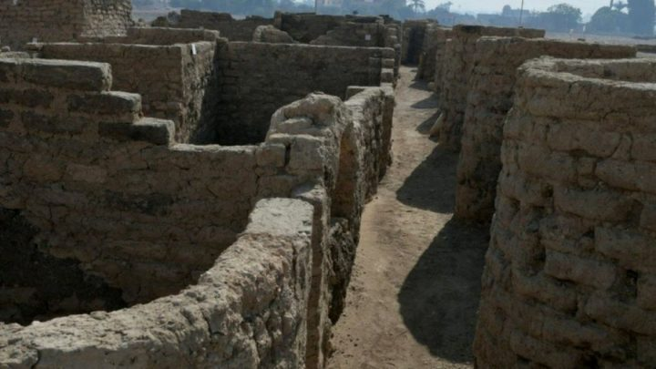 """Lost, 'golden era' city unearthed in Egypt"""""""